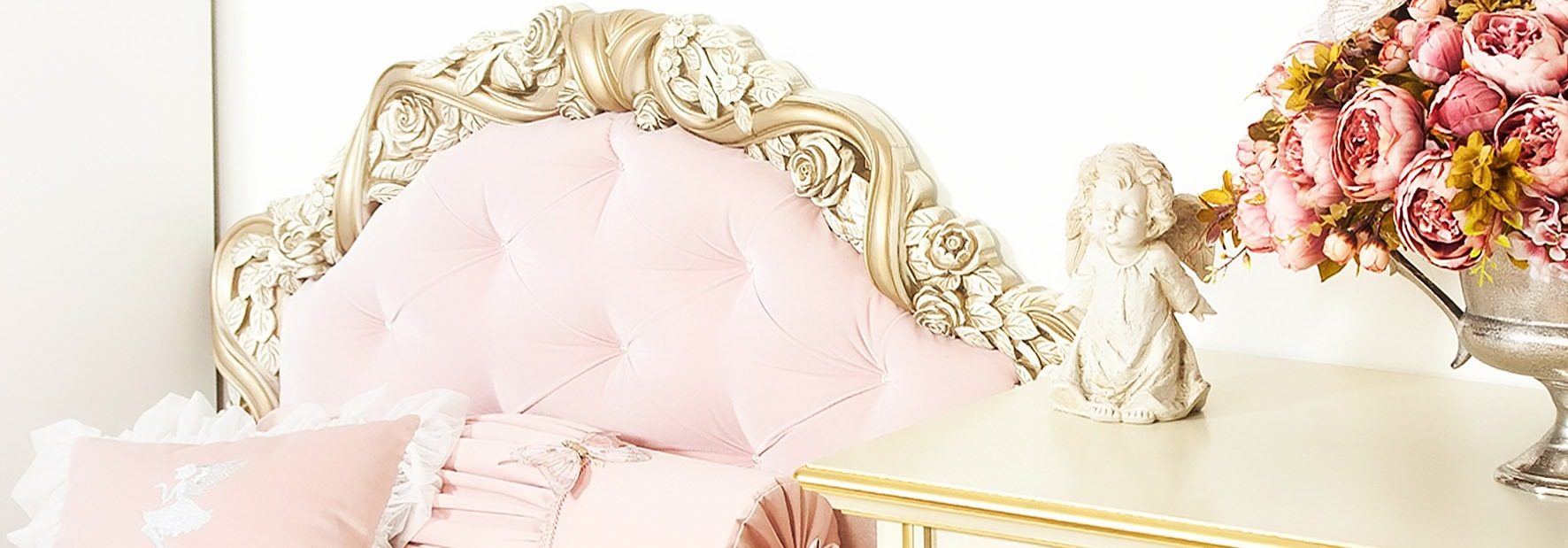 Angelic room мебелирование